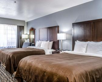 Clarion Hotel By Humboldt Bay - Eureka - Bedroom