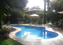 Playa Negra Guesthouse - Cahuita - Piscina