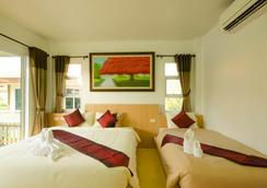 Pueanjai Resort And Restuarant - Chumphon - Bedroom