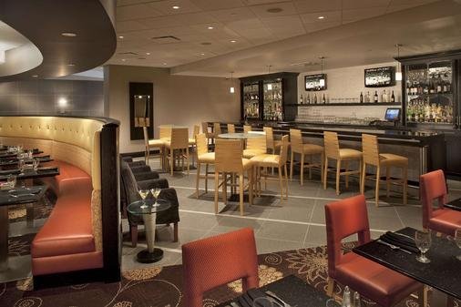 DoubleTree by Hilton Pittsburgh - Monroeville Convention Cen - Monroeville - Bar