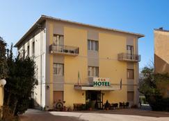 Parking Hotel Giardino - Livorno - Building
