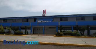 Hotel Aeropuerto - Toluca