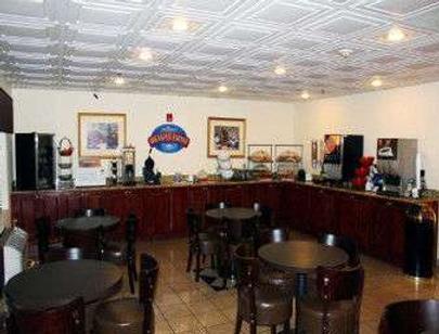 Baymont Inn & Suites Columbia Fort Jackson - Columbia - Buffet
