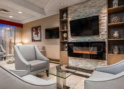 Best Western Plus Travel Hotel Toronto Airport - Toronto - Lobby