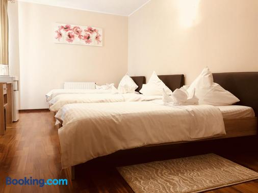Monte Carlo Palace Rooms - Bucharest - Bedroom