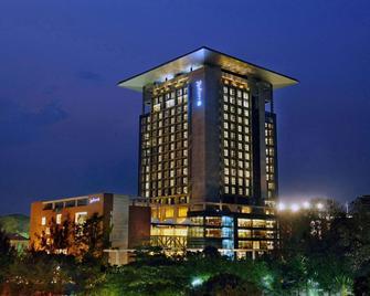 Radisson Blu Chittagong Bay View - Čattagrám - Building