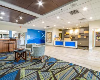 Holiday Inn Express & Suites Hearne - Hearne - Recepce