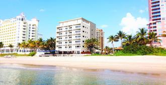 Sun Tower Hotel & Suites on the Beach - פורט לודרדייל - בניין