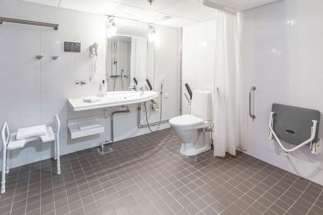 赫爾辛基哈卡涅米積雲酒店 - 赫爾辛基 - 浴室