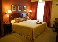 Howard Johnson Inn Rosario De La Frontera - Rosario de la Frontera - Bedroom