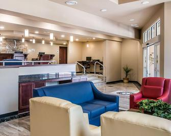 Quality Inn and Suites - Houghton - Lobby