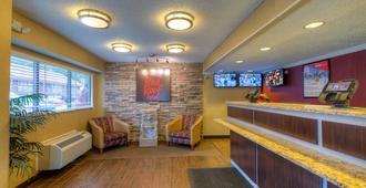Red Roof Inn Memphis East - ממפיס - דלפק קבלה
