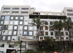 Best Western Plus Meridian Hotel - Nairobi - Gebouw