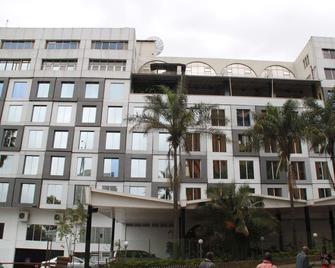 Best Western Plus Meridian Hotel - Найроби - Здание