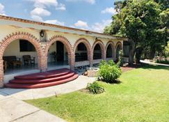 Finca Ybarra Casa de Campo - Chapala