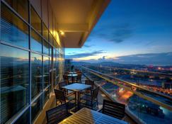 The Zenith Hotel - Куантан - Балкон