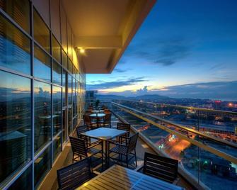 The Zenith Hotel - Kuantan - Balcony