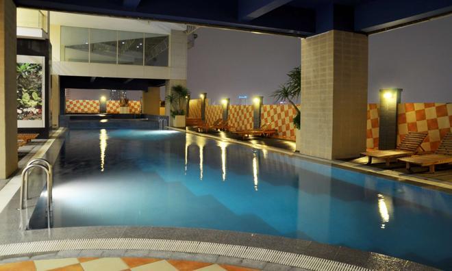 Best Western Mangga Dua Hotel and Residence - North Jakarta - Pool