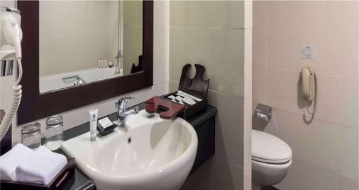 Best Western Mangga Dua Hotel and Residence - North Jakarta - Bathroom
