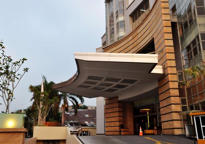 Best Western Mangga Dua Hotel and Residence - North Jakarta - Building