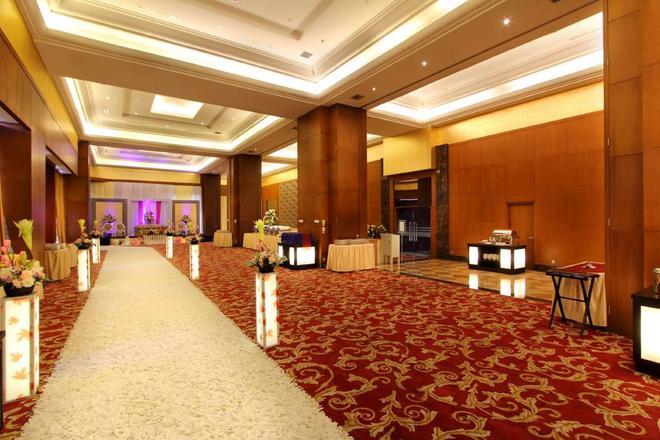 Best Western Mangga Dua Hotel and Residence - North Jakarta - Lobby