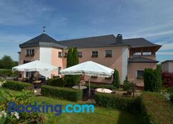 Hotel Rabennest - Rabenau - Building