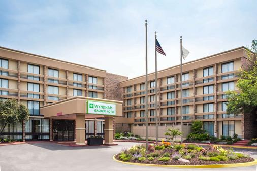 芝加哥西北紹姆堡酒店暨會議中心 - 紹姆堡 - 紹姆堡 - 建築