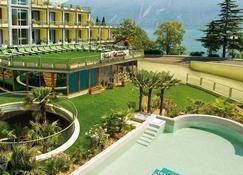 Hotel Alexander - Limone sul Garda - Outdoor view
