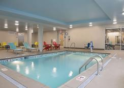 Home2 Suites by Hilton Louisville Downtown NuLu - Louisville - Uima-allas