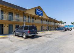 Rodeway Inn - South Houston - Edificio