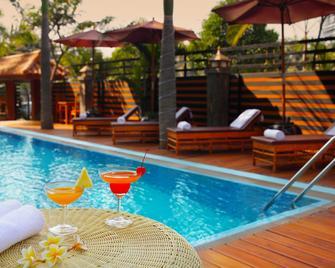 Ayarwaddy River View Hotel - Mandalay - Πισίνα