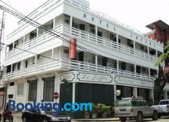 Hotel Joffre - Toamasina - Edifício
