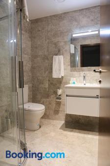 Hotel Arcadia Blue Istanbul - Istanbul - Bathroom