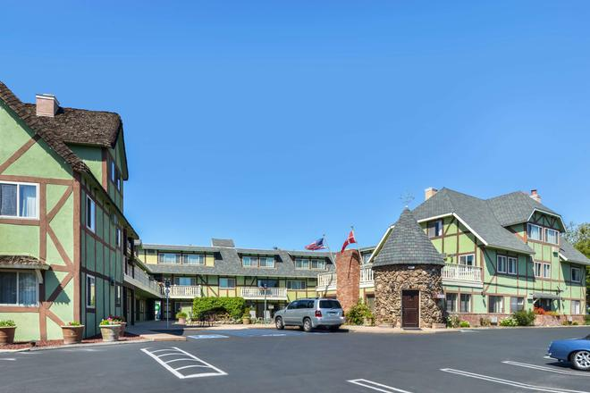 Svendsgaard's Danish Lodge Americas Best Value Inn - Solvang - Rakennus