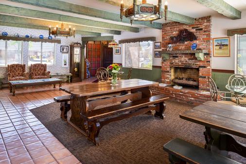 Svendsgaard's Danish Lodge Americas Best Value Inn - Solvang - Ruokailuhuone