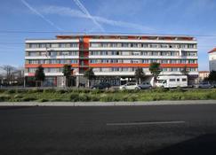 Adonis Paris Sud - Chevilly-Larue - Edificio