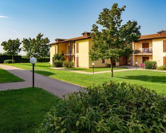 Residence Eden - Peschiera del Garda - Building