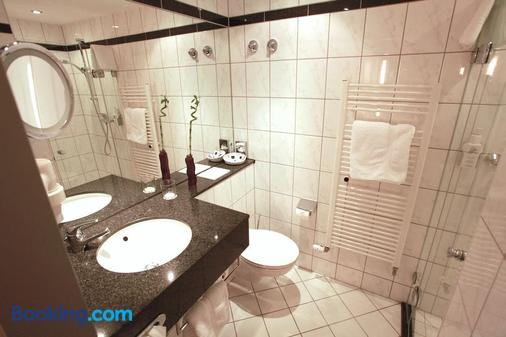 Hotel Friederichs - Duisburg - Bathroom