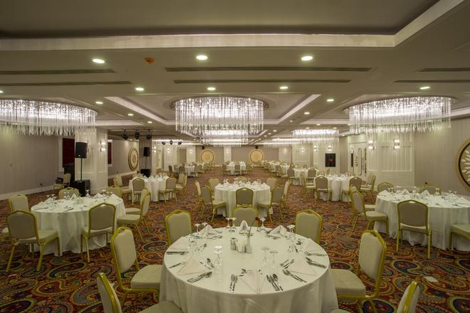 Sensitive Premium Resort & Spa - Belek - Banquet hall