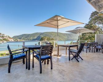 Amanzi Island Lodge - Knysna - Patio