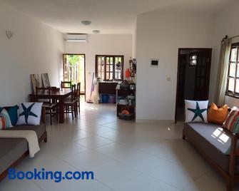 Vilancool Beach Resort - Vilanculos - Wohnzimmer