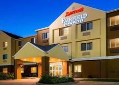 Fairfield Inn & Suites Oshkosh - Oshkosh - Building