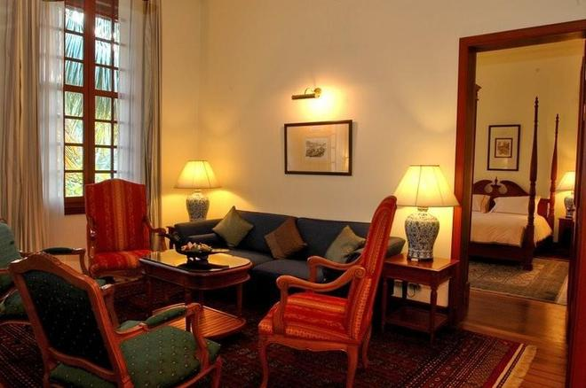 Settha Palace Hotel - Vientiane - Living room