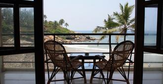 The Ocean Park Beach Resort - Thiruvananthapuram - Μπαλκόνι