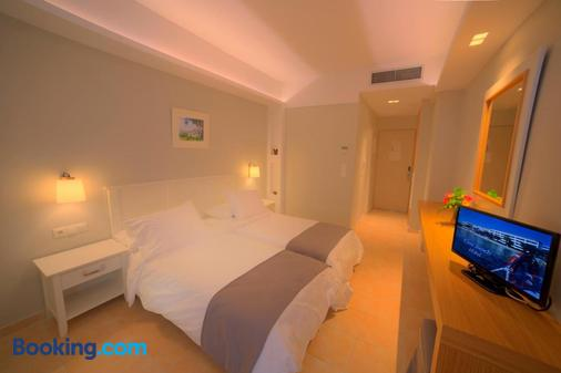 Elea Beach Hotel - Corfu - Bedroom