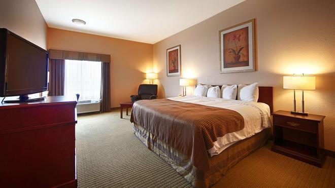 Best Western High Road Inn - Edson - Bedroom