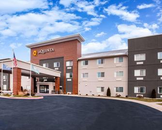 La Quinta Inn & Suites by Wyndham Elkhart - Elkhart - Building