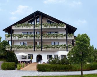 Hotel Zum See Garni - Dießen am Ammersee - Building