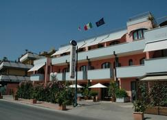 Mistral Hotel - Campo nell'Elba - Building