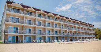 Bayshore Resort - טראברס סיטי